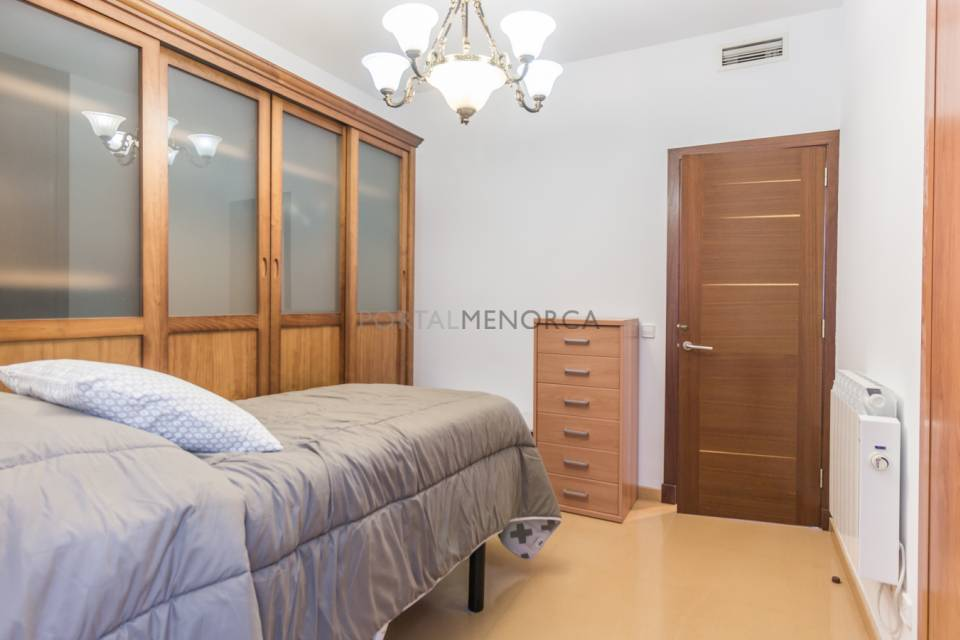 3 bedroom flat in Mahon for sale. Impecable.