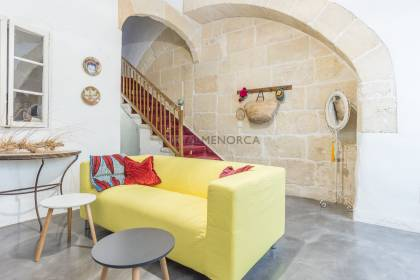 Traditional house & shop in the historical center of Ciutadella with amazing views onto the port