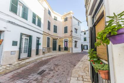 Traditional townhouse with patio in Alaior, ideal boutique hotel project