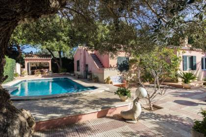 Villa with pool for sale in Menorca