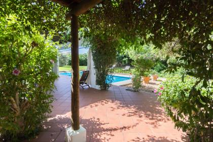 Magnificent traditional country house with pool in Llucmessanes