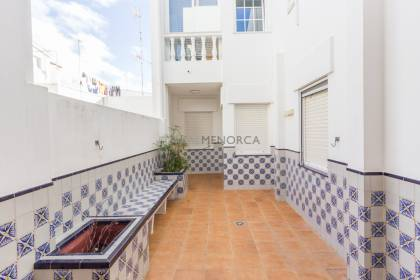 4 bedroom flat in es Castell for sale
