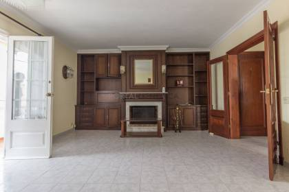 3 bedroom flat with parking in Son Vilar, Es Castell