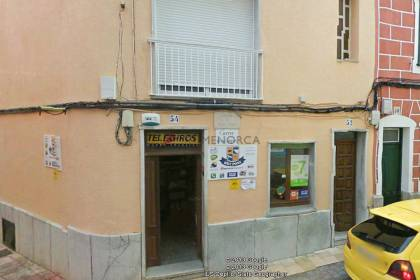 commercial space on ground floor in esquinda