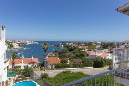 Magnificent apartment with sea views & communal pool, Addaia