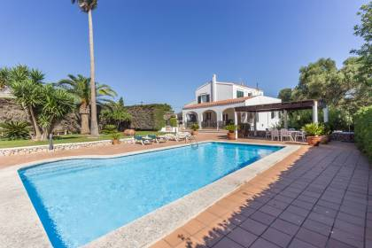 Magnificent country house with pool in LLucmessanes for sale