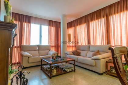 Bright 3 bedroom flat in Es Castell