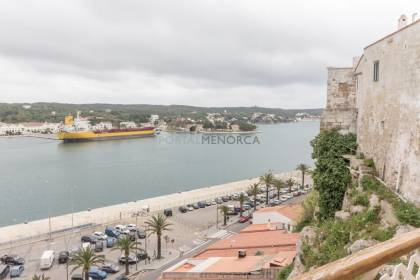 Magnificent flat in the center of Mahón overlooking the harbour