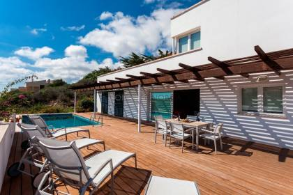 VILLA WITH POOL IN CALA LLONGA. MENORCA
