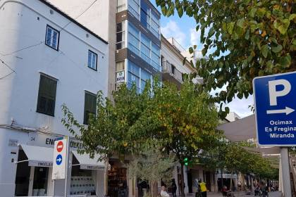 Appartement au centre-ville sans ascenseur, Mahon