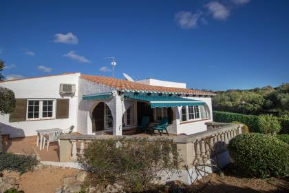 Villa with pool for sale in Binibeca Nou