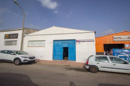 Industrial unit for sale in Es Castell