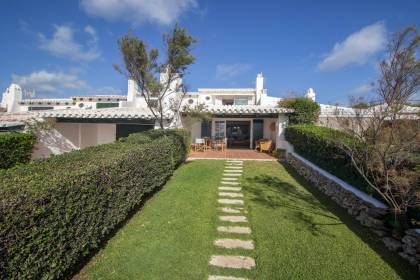 Villa with sea views for sale in Biniancolla
