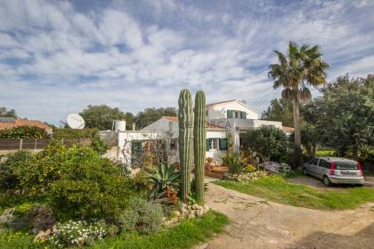 Country house for sale in Trebalúger with large plot
