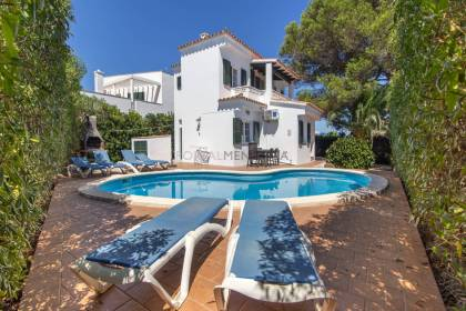 Villa with tourist license and sea views in Binibeca Vell
