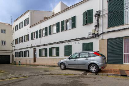 Apartment to renovate for sale in Sant Lluís