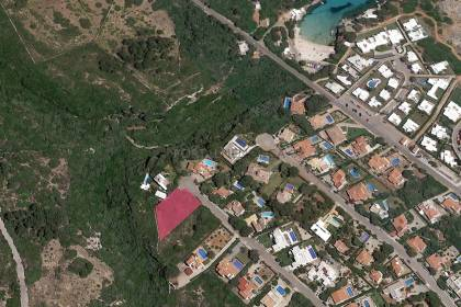 Plot of land located in a cul-de-sac for sale in Binisafuller