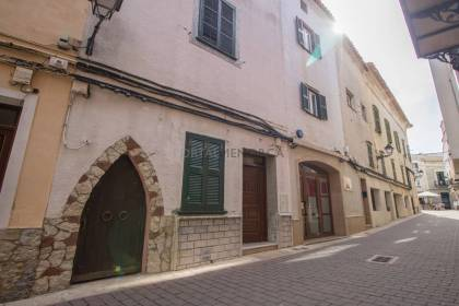 House for sale in the center of Alaior