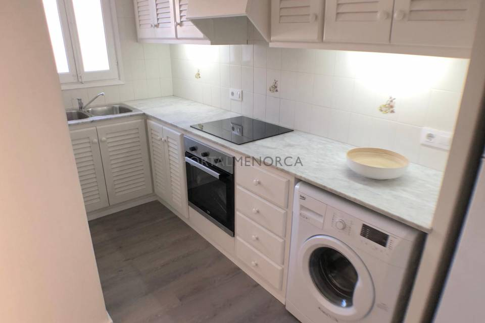 Two bedroom two bathroom recently renovated duplex apartment a 5 minute walk from the beach