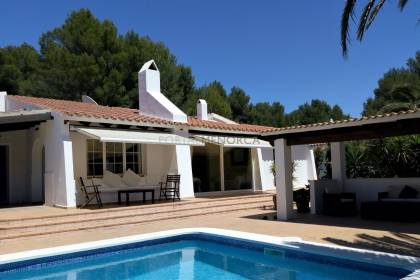 Well appointed 3 bedroom villa with pool in Son Parc.