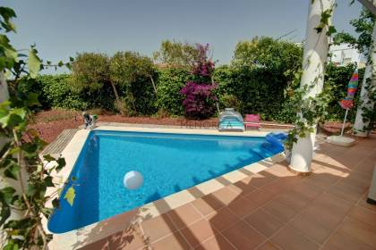 Villa with 5 bedrooms and 3 baths with pool and views to the port of Mahon