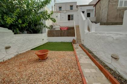 4 bedroom Town house in the centre of Mahon with garden and casita.