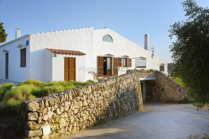 Country house with sea views near Cala Morell