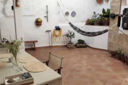 Traditional House with patio in Ciutadella