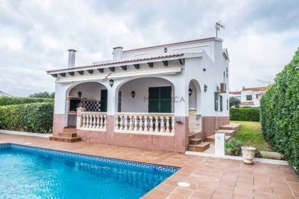 Spacious villa with tourist license in Calan Blanes
