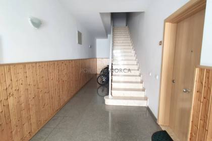 Flat in central Ferreries ideal as an investment