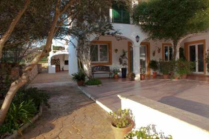 Country house with 6 bedrooms and pool in Menorca