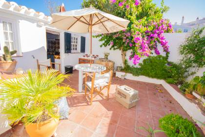 Pretty townhouse with patio close to the centre of Es Mercadal