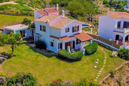 Villa with fantastic views in Playas de Fornells.