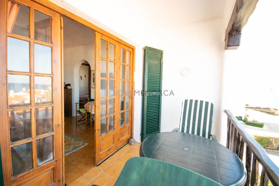 Apartment with sea views and pool in Playas de Fornells