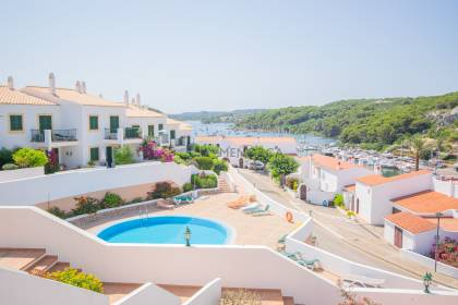Beautiful apartment with communal swimming pool in Addaia