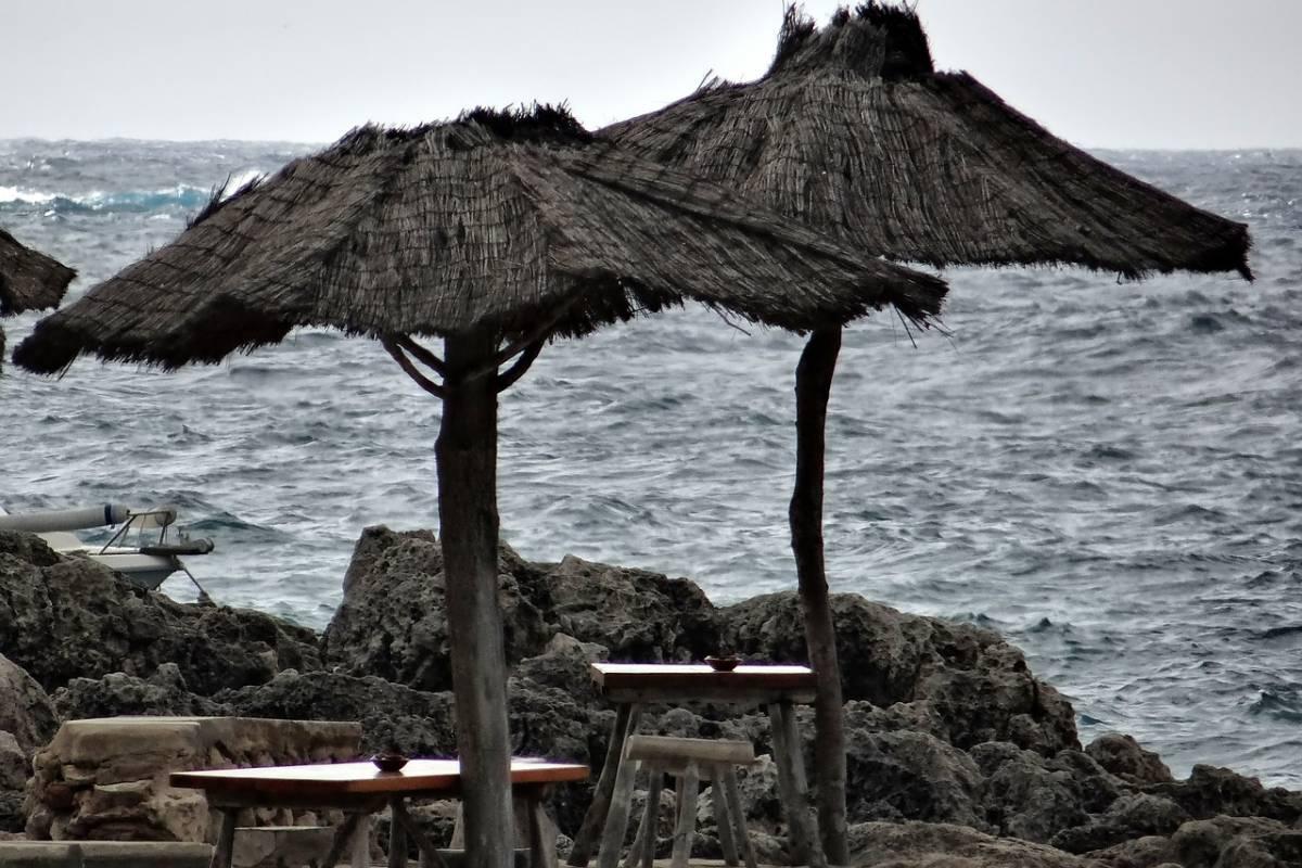 Vivir en Menorca: ¿habrá que tirar la casa por la ventana o no?