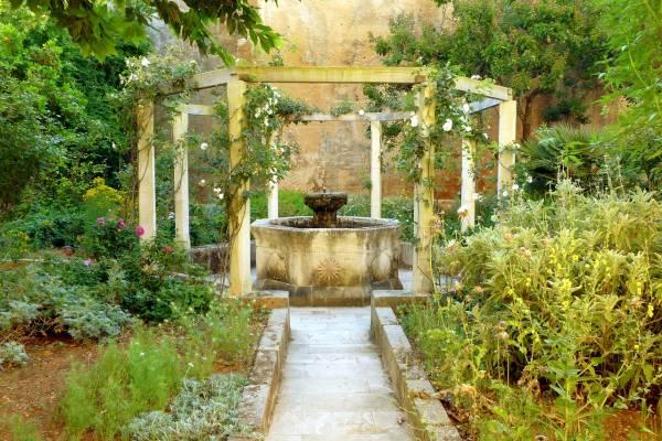 Fuente de casa de campo en Menorca