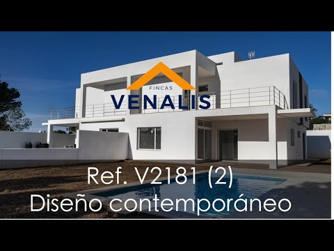 Modern semi-detached house with swimming pool in Sant Lluís